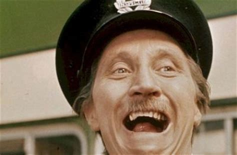 On The Buses actor Stephen Lewis dies aged 88   CelebCafe.org