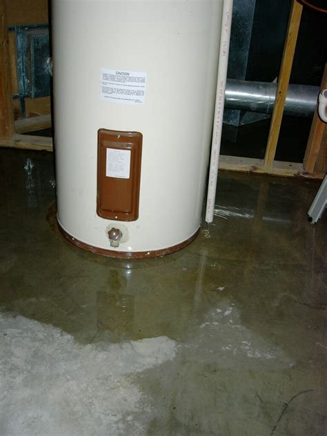 Small Water Heater Leak Water Heater Leaking How To Fix