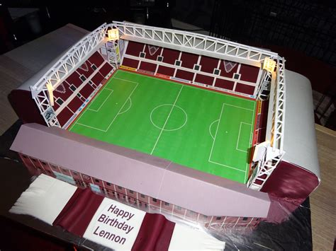 How To Make A Football Stadium Out Of Paper - football stadium cakecentral