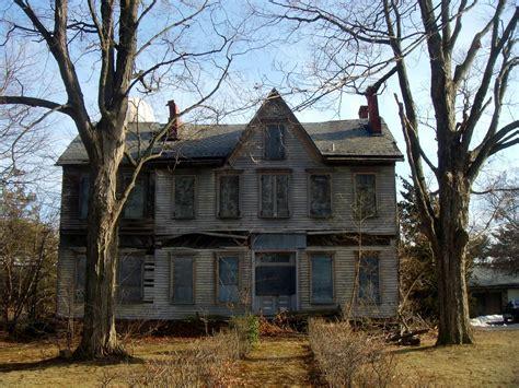 abandoned house in aberdeen nj looks like it may