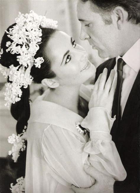Liz Hurleys Wedding Album Bglam by Wedding Of Elizabeth And Richard Burton By By