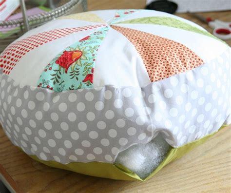 Sprocket Pillow by Sprocket Pillows Tutorial Cluck Cluck Sew
