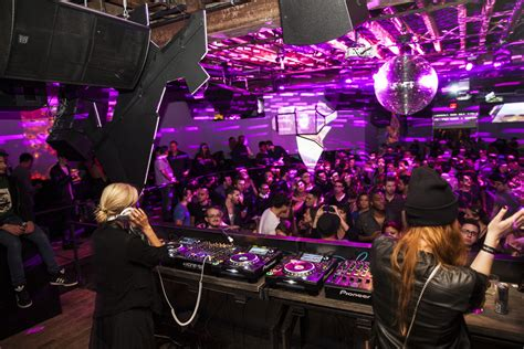 house music bars nyc best dance clubs for electronic music in new york