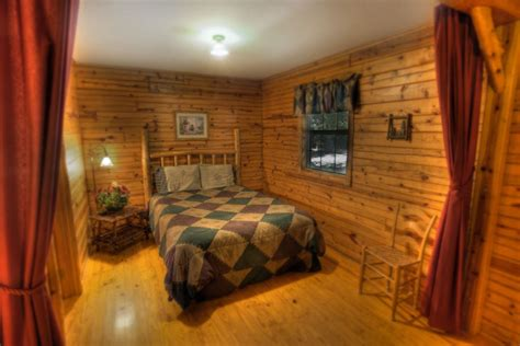 Cabins In Springs Arkansas With Tub by Family Cabins Silver Ridge Resort Eureka Springs Arkansas