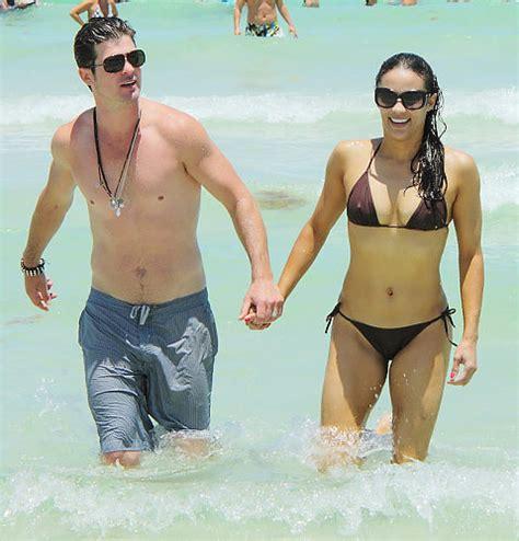 Singers' rockin' beach bods   slide 9   NY Daily News