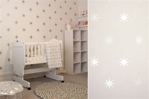 tapisserie chambre d enfant papiers peints c 233 lestes pour une chambre d enfant