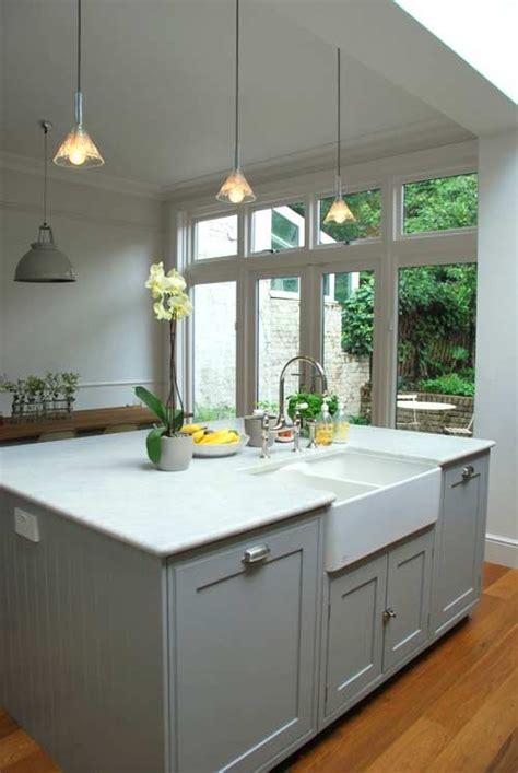 Belfast Sink In Modern Kitchen by Modern Country Kitchen Island In The Modern House