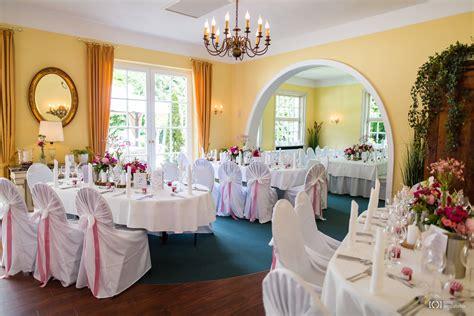Hochzeitsfeier Im Freien by Freie Trauung Und Hochzeitsfeier Im Landhaus Etzhorn