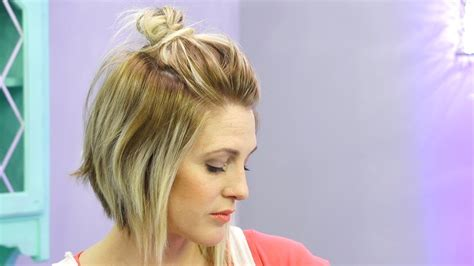 how to do a half up messy bun with short hair hack youtube