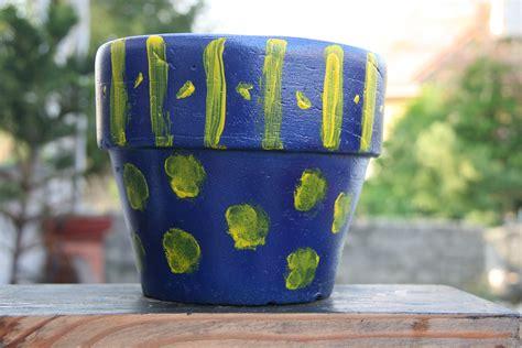 dipingere vasi di terracotta come dipingere un vaso di terracotta nuovo 12 passaggi