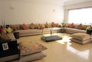 tapisserie moderne pour salon obasinc