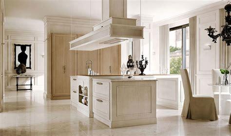 cucine con isola classiche arcari arredamenti cucine classiche con isola