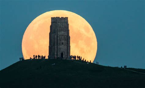 there s a strawberry moon tonight but what even is that summer solstice 2016 strawberry moon to appear in sky