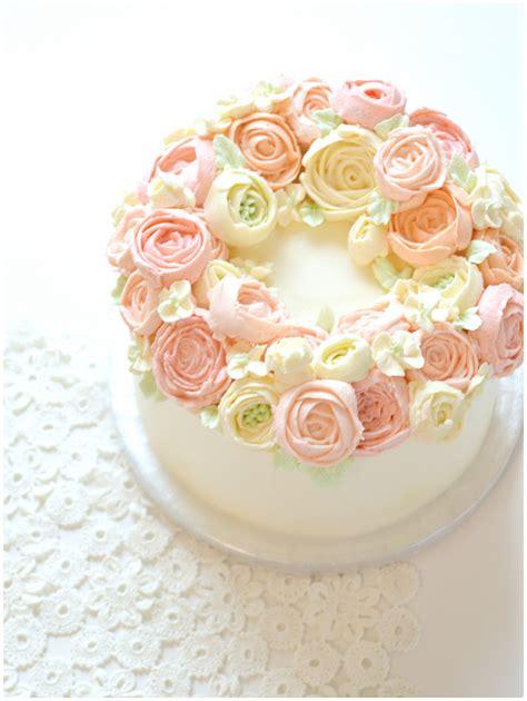 Wreath Style Korean Buttercream korean buttercream flower wreath cake cherie ch 233 rie