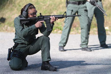 Sweaterhoodie Swat Hold The Line blackhawk the ticker