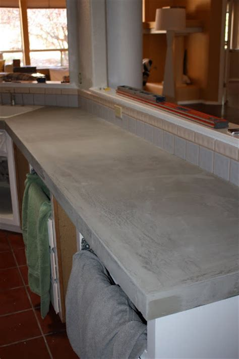 Remodelaholic   Quick Install of Concrete Countertops! Kitchen Remodel!