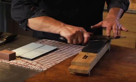 How To Sharpen Kitchen Knives by Watch How To Properly Sharpen Your Kitchen Knives