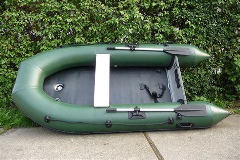rubberboot voor karpervissen karperboot voerboot zodiac fortex rubberboot op hengelspullen