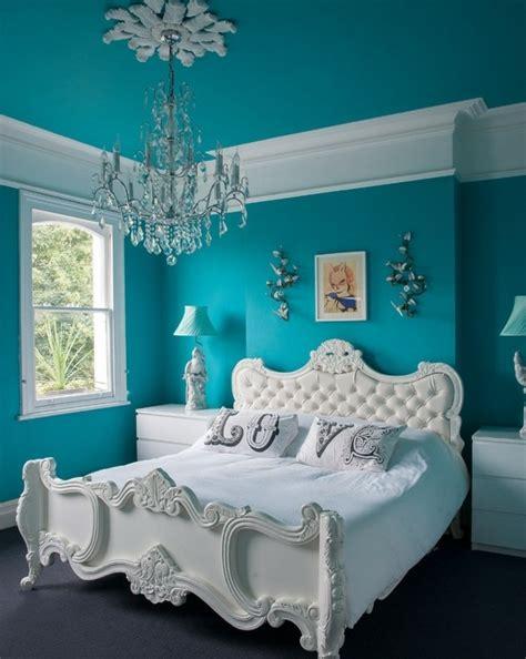 chambre bleu et blanc 1001 id 233 es pour une chambre bleu canard p 233 trole et paon
