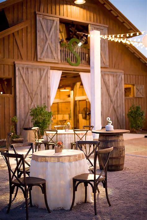 sweet  romantic rustic barn wedding decoration ideas