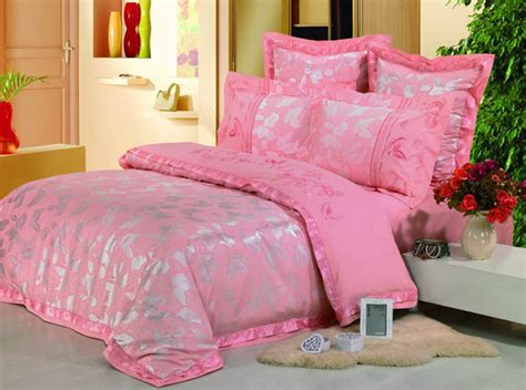 Bright Pink Comforter by Bright Pink Bedding Beautiful Pink Decoration