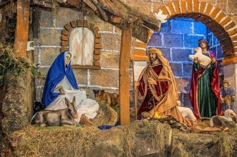 Merry Buon Natale Frohe Weihnachten by Feliz Navidad Merry Buon Natale Frohe