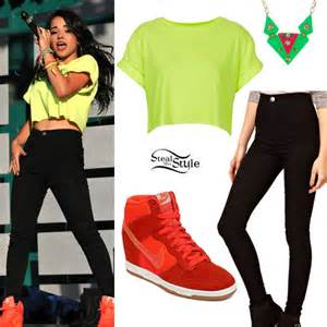 Becky g s clothes amp outfits steal her style page 17