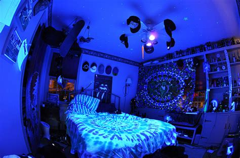 Blacklight Bedroom Decor by Beautiful Drugs Lights Room Image 429730 On Favim