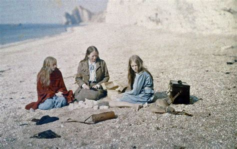early color photography photograph 1913 family picnic colour the