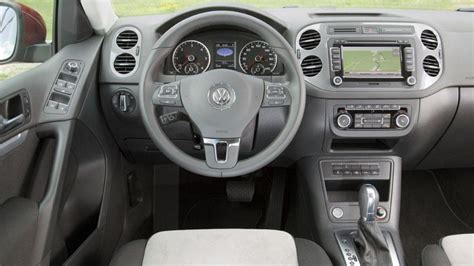 2012 volkswagen tiguan se review 2012 volkswagen tiguan se review notes a pricey small suv
