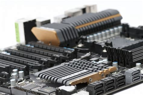Meja Motherboard preview gigabyte 990fxa ud7 jagat review