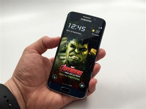 samsung s6 edge themes avengers the avengers age of ultron themes arrive for galaxy s6
