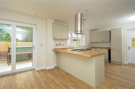 Gloss Kitchens Howdens by Howdens Oak Kitchens Deductour