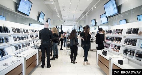 Nyc L Stores by 11 Places For Makeup Lessons Outside Of Department Stores