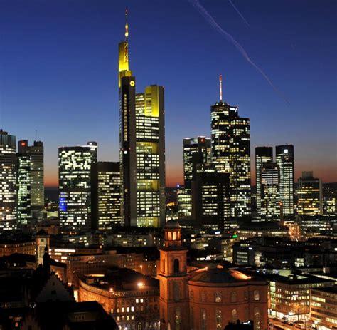 deutsche banken schuldenkrise deutsche banken m 252 ssen herabstufung