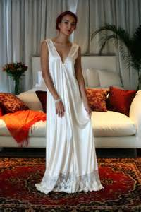 bridal lingeries bridal nightgown satin wedding chagne lace
