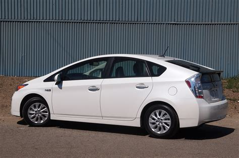 2012 Toyota Prius 2012 Toyota Prius In Drive Photo Gallery