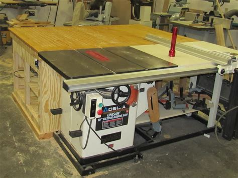 Nick Fine Woodworking Outfeed Table