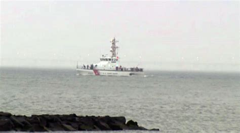 york river boat sinks 3 rescued 1 dead as tugboat sinks off new york coast
