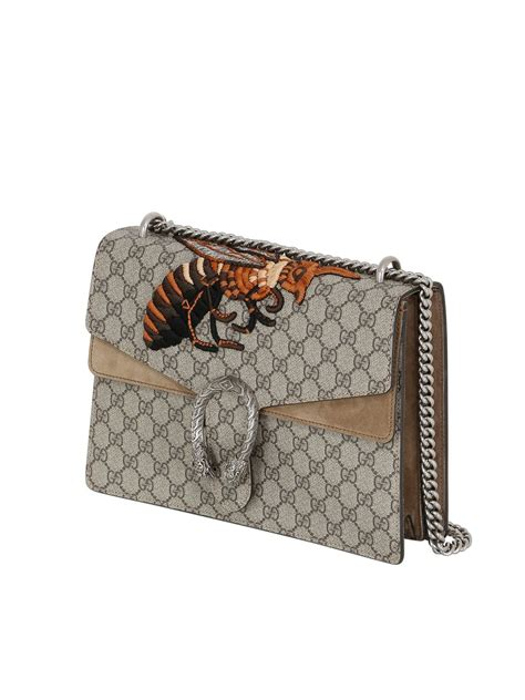 Gucci Amelia Gg Bee Cluth gucci gg supreme bee embroidered canvas bag in lyst