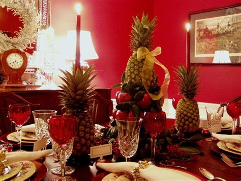 Lonial Williamsburg Christmas Table Setting With Apple