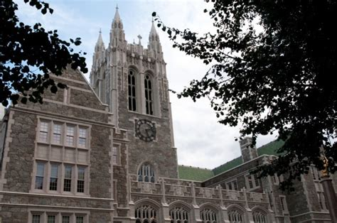 Boston International Mba Tuition by Boston College Tuition For 2017 18 Set At 52 500 The
