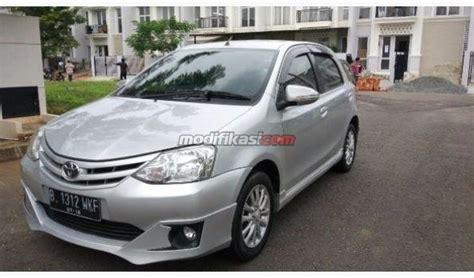 Mobil Toyota Etios Valco Tipe G Mt 2013 toyota etios valco g mt silver cashkredit dp ceper