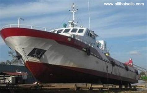 utility boats for sale 18m cat type fast ferry boat for sale newbuilding crew
