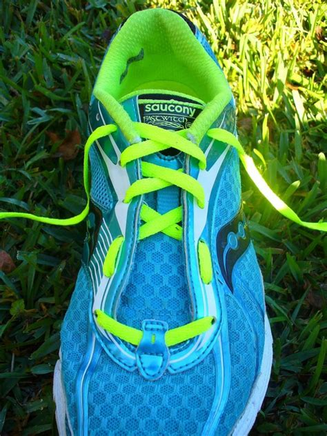 how to tie shoes for running running shoe lacing techniques this is amazing trusper