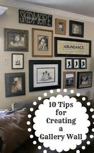 How To Do A Gallery Wall by How To Create A Gallery Wall Daisymaebelle Daisymaebelle