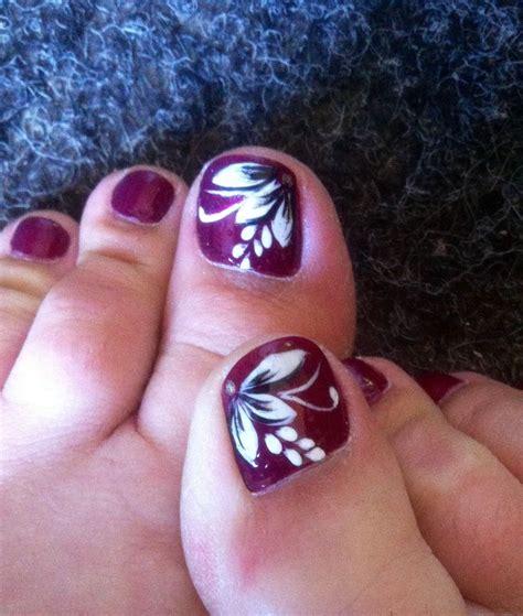 flower design on toenails my summer holiday toe nail art nail obsessed pinterest