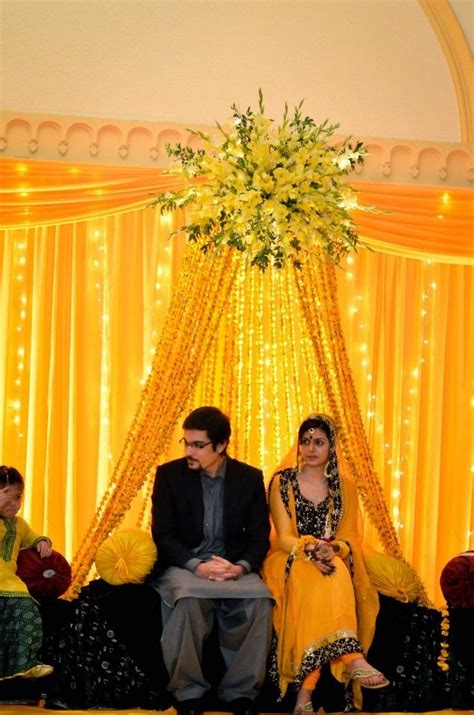 Simple Mehndi Stage Decoration by 25 Best Ideas About Mehndi Stage On Mehndi