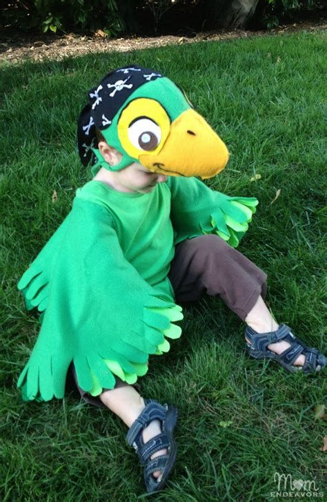Handmade Disney Costumes - diy skully parrot costume from disney s jake the never
