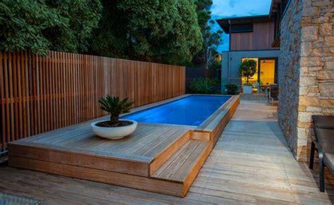 desain kolam renang  lahan sempit